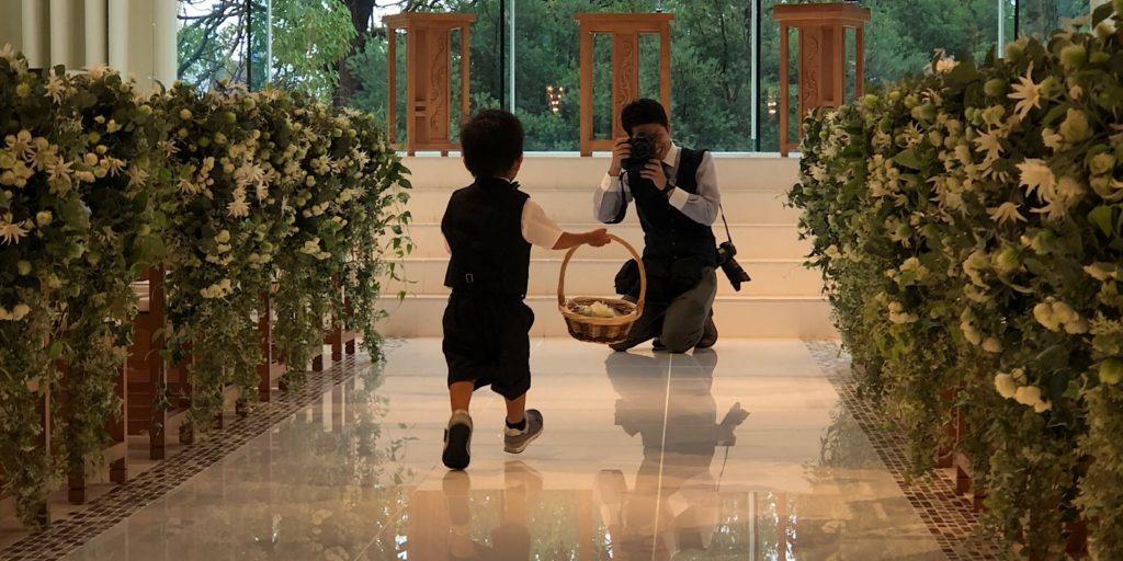 結婚式場のカメラマン